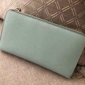 SUMMER SALE Henri Bendel continental wallet wtags